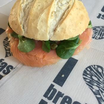 Luxe belegd broodje zalm